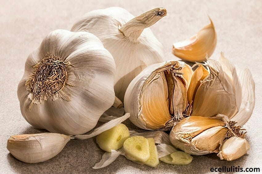 Garlic - 30+ Foods That Burn Calories